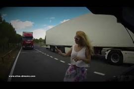 Video esposo apuesta a su señora y pierde y se la cojen afuersa