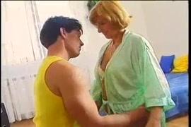 Chico gay teniendo sexo con su papá