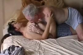 Video de hombre masturbandose en la calle porno