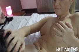 Ver videos de hombres enanos masturbandose