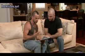 Videos porno de maeatros gays teniendo sexo con alumnos en camara oculta