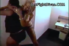 Negro pingon en sexo anal con flaquitas