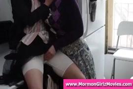 Videos xxx mujer vistiendoce
