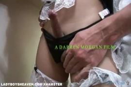 Video porno mujer follando en una barberia