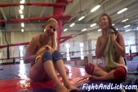 Videos de mujeres chichonas y culonas cogiendo con jovencitos.