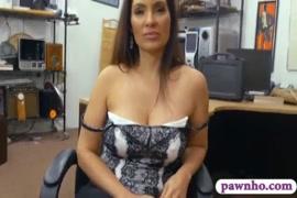 Video mujeres metiendose botellas en el culo