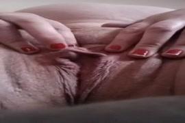 Ver videos de ver mugeres buenas y masturberse en el carro